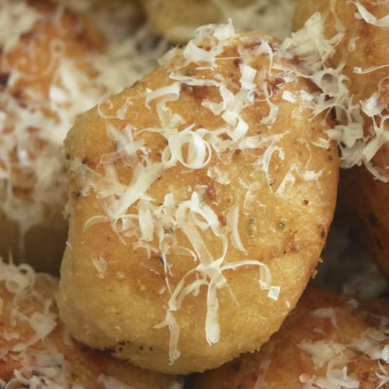 Garlic Butter Crusty Bubble Bread