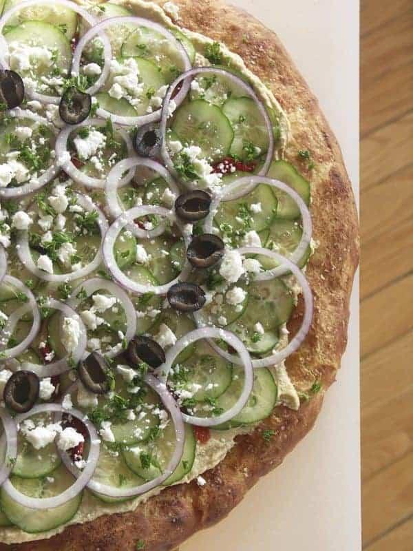 Mediterranean Hummus Pizza #Vegetarian foodiewithfamily.com