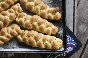 individual-garlic-braids-1