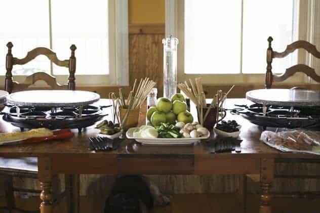 raclette dinner party. Black Bedroom Furniture Sets. Home Design Ideas