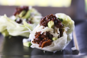 smoky salsa beef and bean lettuce cups1