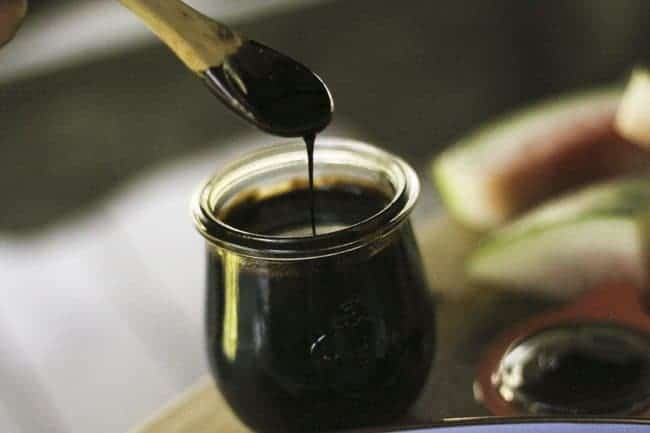 Balsamic Reduction for salads and glazes | www.foodiewithfamily.com
