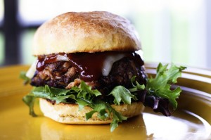 Filthy Burger (Beef, Barbecue Pulled Pork and Bacon Burgers) | www.foodiewithfamily.com
