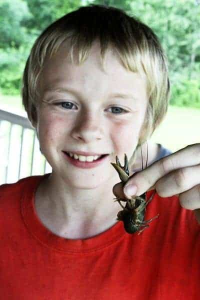 Ty with crawfish | www.foodiewithfamily.com