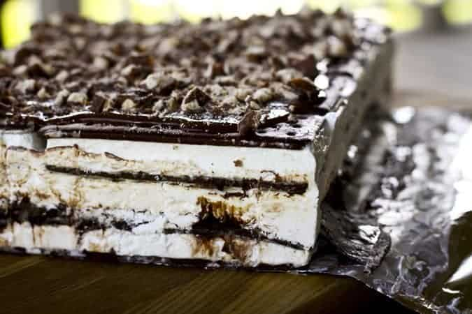 Twix Ice Cream Sandwich Cake | www.foodiewithfamily.com