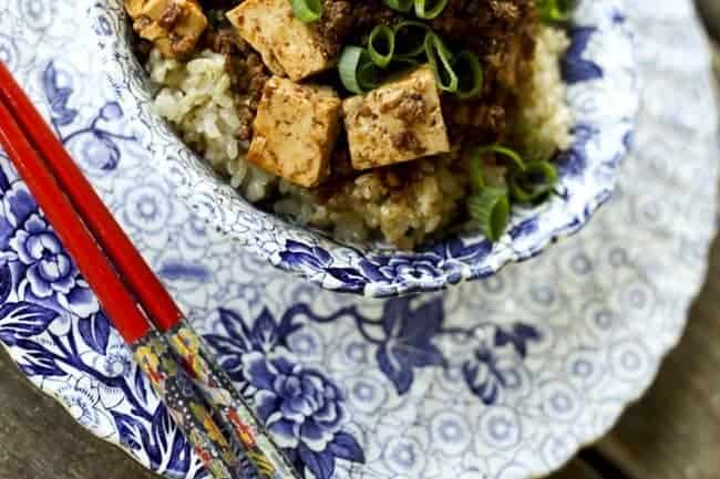 Mapo Dofu {Chinese Spicy Pork with Tofu} | www.foodiewithfamily.com