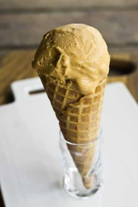 Pumpkin Cheesecake Ice Cream | www.foodiewithfamily.com