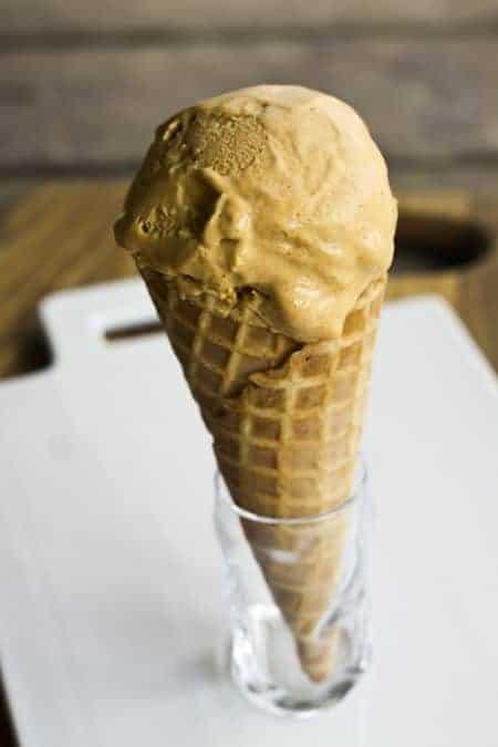 Pumpkin Cheesecake Ice Cream | www.foodiewithfamily.com