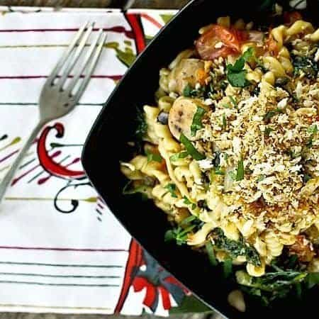 Chicken Sausage, Kale, and Mushroom One Pot Pasta foodiewithfamily.com #onepot #pasta