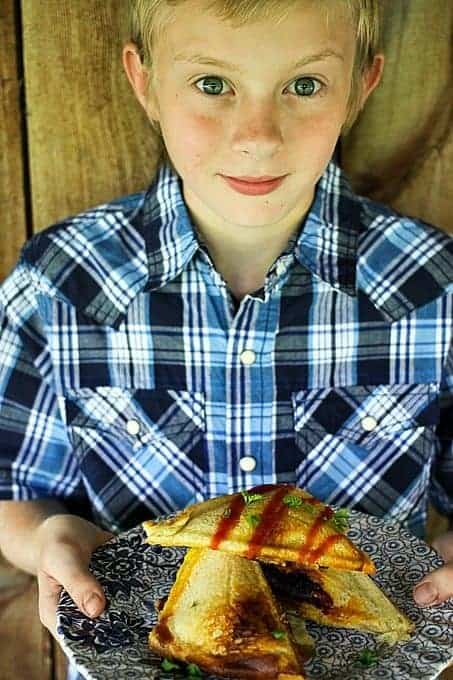 Ty's Best Breakfast Sandwich {scrambled eggs, crispy hashbrowns + bacon, and cheese in sourdough toast! foodiewithfamily.com #thatsmykid #jcpambassador #ad