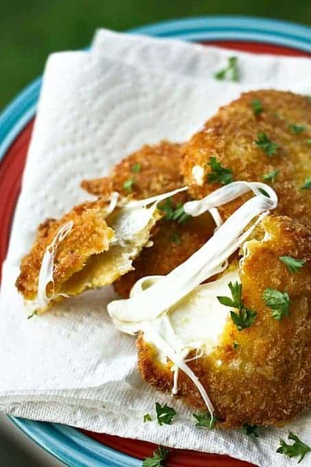 Crispy, Gooey, Fresh Mozzarella Steaks from foodiewithfamily.com #FreezerFriendly #MakeAheadMondays