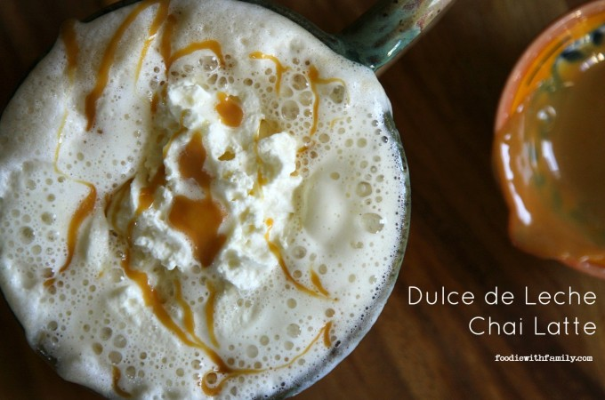 Dulce de Leche Chai Lattes {caramel chai lattes} from foodiewithfamily.com