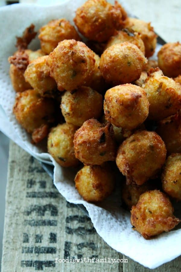 Cheesy Jalapeno Potato Poppers {homemade tater tots} foodiewithfamily ...