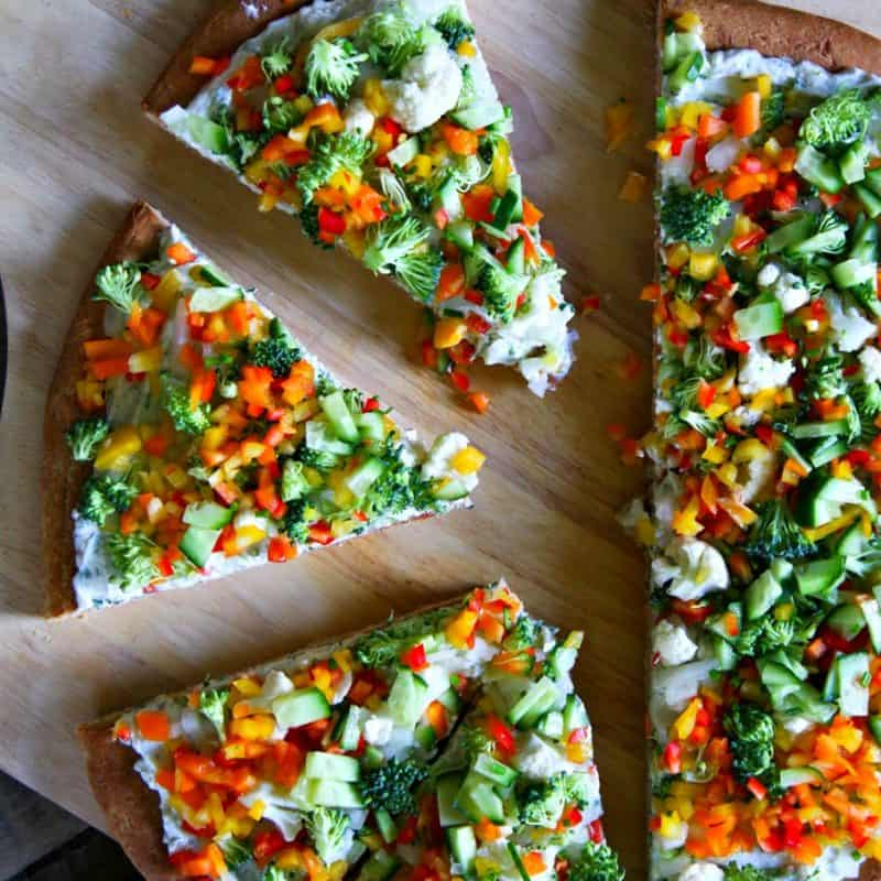 Get your snack on with Snacky Ranch Cream Cheese Vegetable Pizza from foodiewithfamily.com