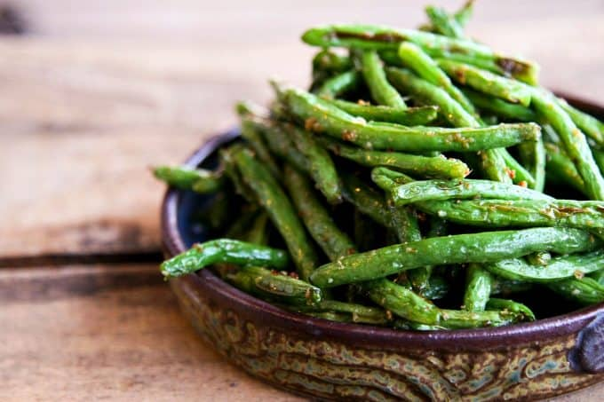 Simple, fast, Roasted Ginger Sesame Green Beans by foodiewithfamily.com