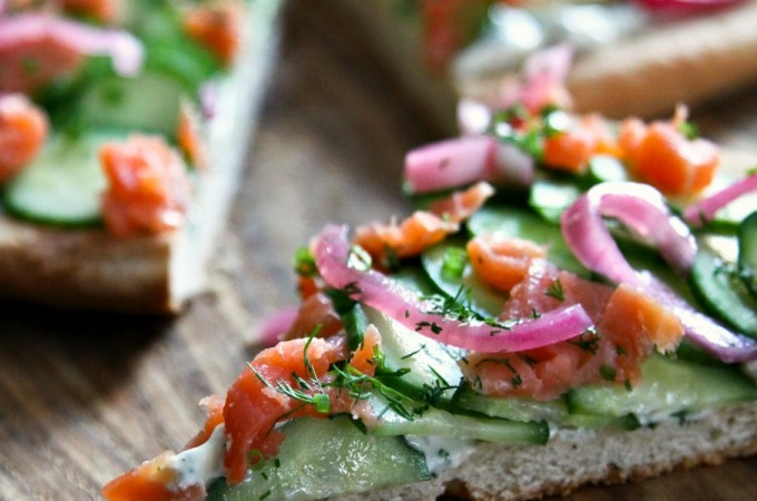Smoked Salmon Cucumber Pizza