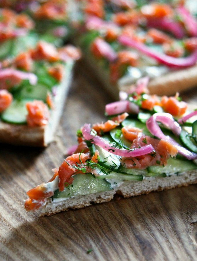 Smoked-Salmon-Cucumber-Pizza-c