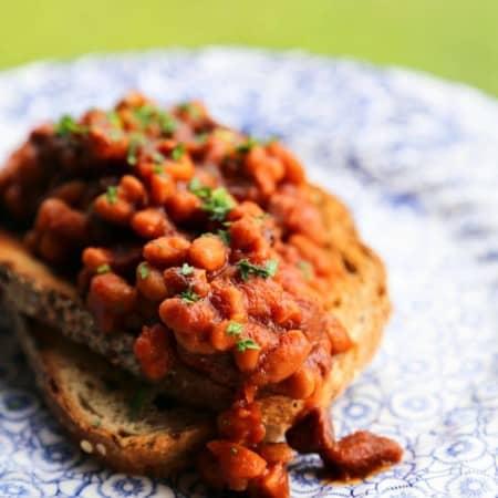Slow-Cooker Breakfast Baked Beans