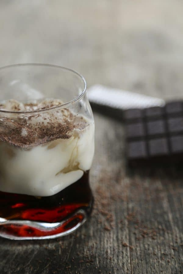 Silk Anna Kournikova - Skinny White Russian Cocktail using Silk Almondmilk #sponsored #MeatlessMondayNight