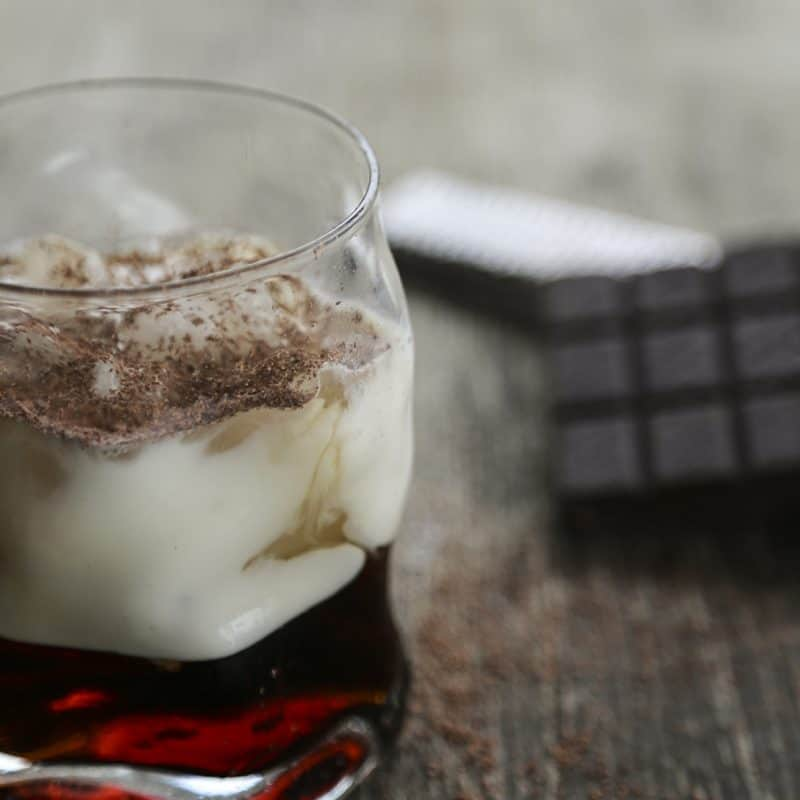 Silk Anna Kournikova - Skinny White Russian Cocktail using Silk Almondmilk #sponsored