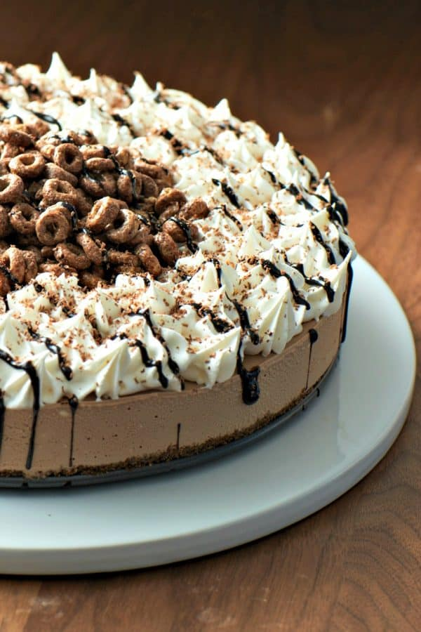 10 Minute Creamy Chocolate Icebox Pie is as impressive tasting as it is beautiful. Made from 7 simple, gluten-free ingredients, this is a crowd pleaser.