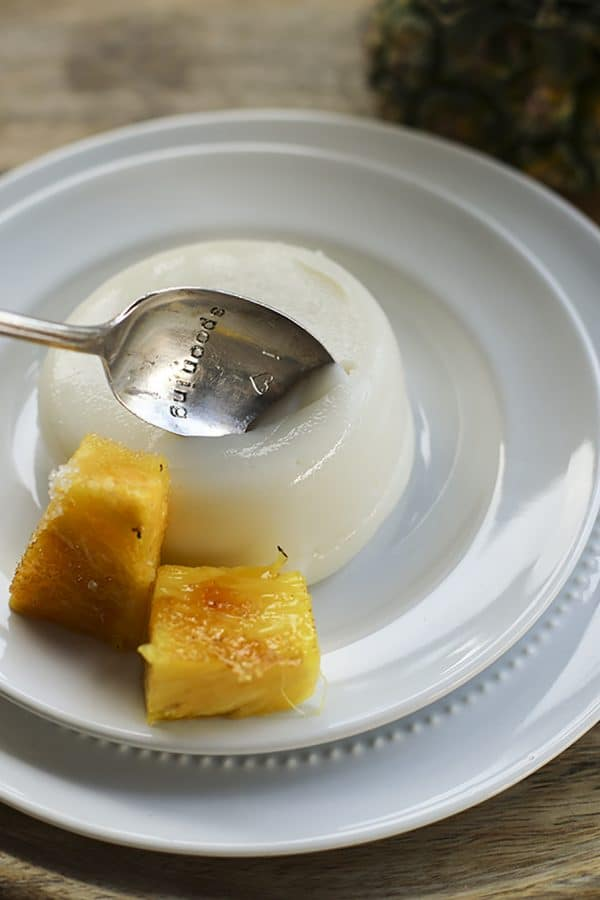 Piña Colada Tembleque - Pineapple Coconut Pudding #DairyFree #Vegan