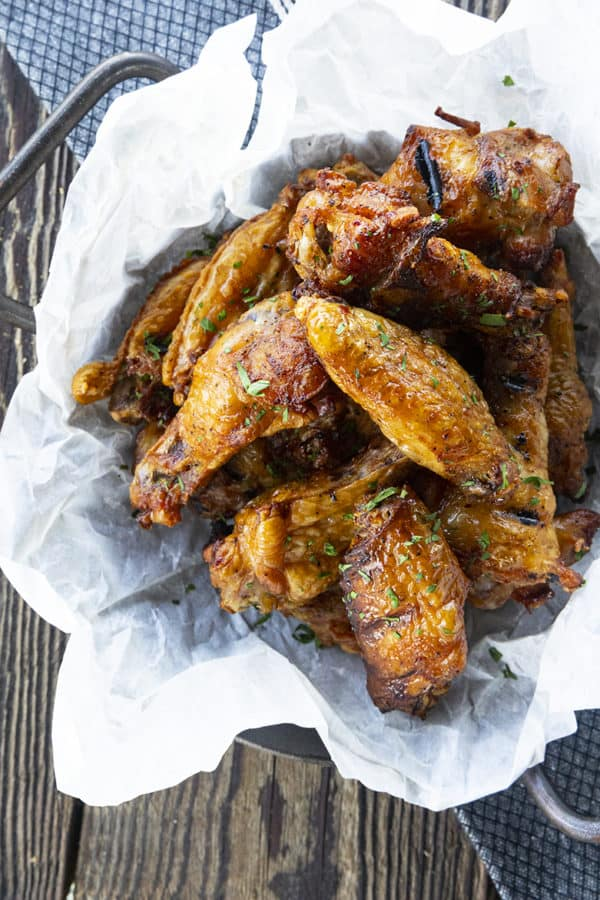 Smoky, crispy-skinned, and flavourful, these irresistible crispy smoked chicken wings are as simple to make as they are easy to eat.