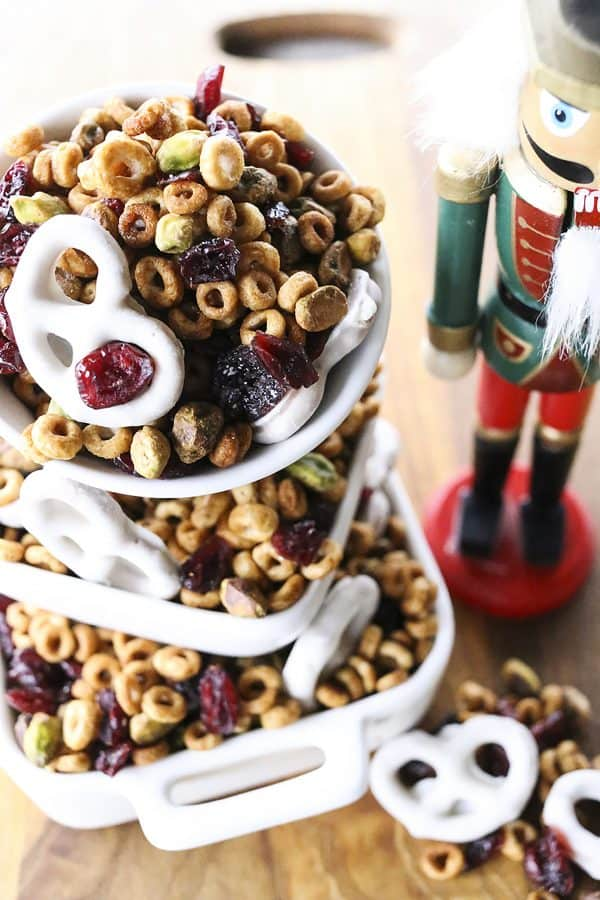 This Cranberry Pistachio Snack Mix is designed to boost your energy without slowing you down. #sponsored